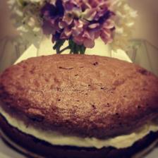 Čokoládový dort se šlehačkovým krémem