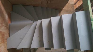 když nemáme střechu, tak aspoň první část schodů