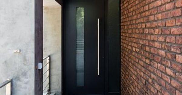 Holky, prosím vás kdo z vás má ideálně antracitové vchodové dveře s vedlejším pevným světlíkem? Můžete prosím poslat fota zvenku a pak panty zevnitř? Díky moc - Obrázek č. 1