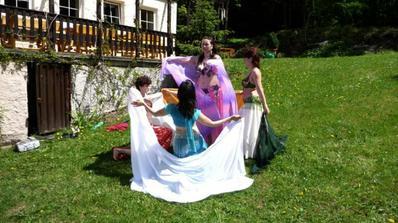 ...orientální tanec od nevěsty ;-)