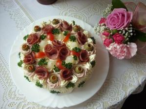 Slaný dort mamce - byl MŇAM.