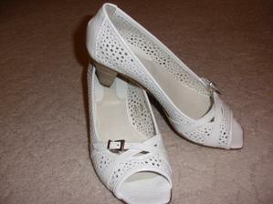 moje italské svatební botičky, jsou moc pohodlné