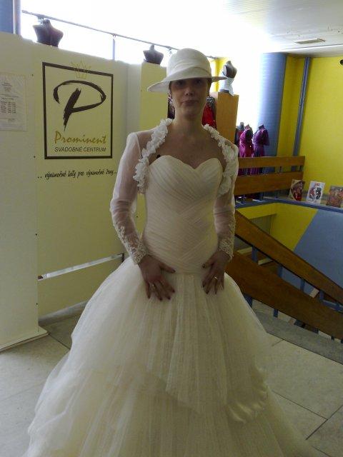 Naše prípravy - 28.08.2010 - V týchto šatách sa budem vydávať:-)