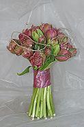 Kala, růže, orchidej, tulipán z jedné bych chtěla svatební kytici