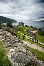 jezero loch ve Skotsku ... tam se těším:)