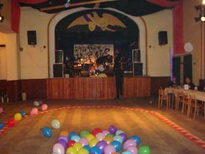 místo pro večerní párty-naše sokolovna
