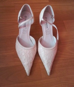 Maťka a Tomáš - svadobne topánky už sú doma