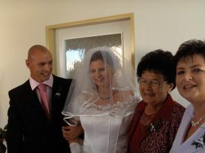 nevěsty maminka,babička a bráška