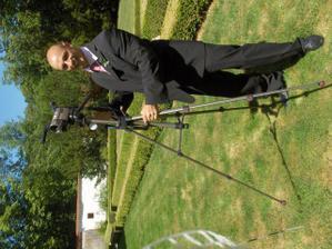 bráška nevěsty jako kameraman