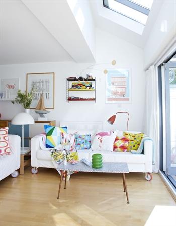 Škandinávsky dizajn (bielo, dreveno, farebné interiéry) - Fotka skupiny