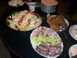 Jídla opravdu nebylo málo...