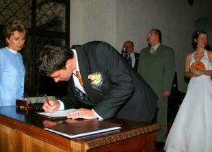 a už jen podpisy :)