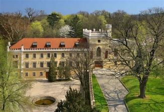 Zde byla hostina a párty Chateau St.Havel