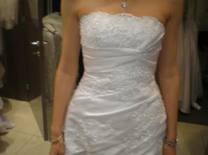 Moje su diamantovo biele, detail.... na mne az v den D :)
