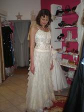 take netradicne svadobne... mne by sa pacili aj ako popolnočky, keby pozicovne nebolo ako za svadobne :)