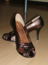 ... a k nim tkéto topánočky