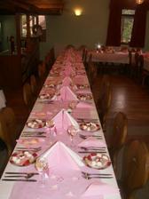 Svatební tabule (pomáhal mi taťka, bráška a mé kamarádky Simča s Míšou - děkuji:-)