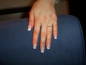 půjčená, moc krásné nehty