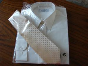 Moc se mi líbí ta kravata, už je doma
