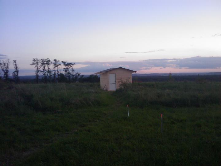 Zaciname stavet - nase 1.drevostavba na pozemku postavena :o)