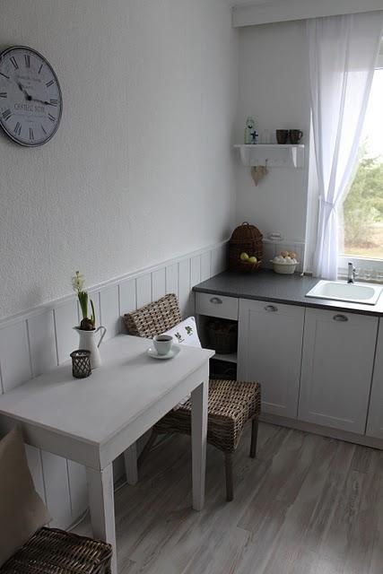 Drevo a biela v kuchyni - Obrázok č. 54