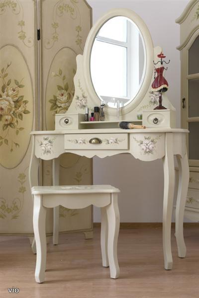 Biely  romanticky nábytok - Obrázok č. 3