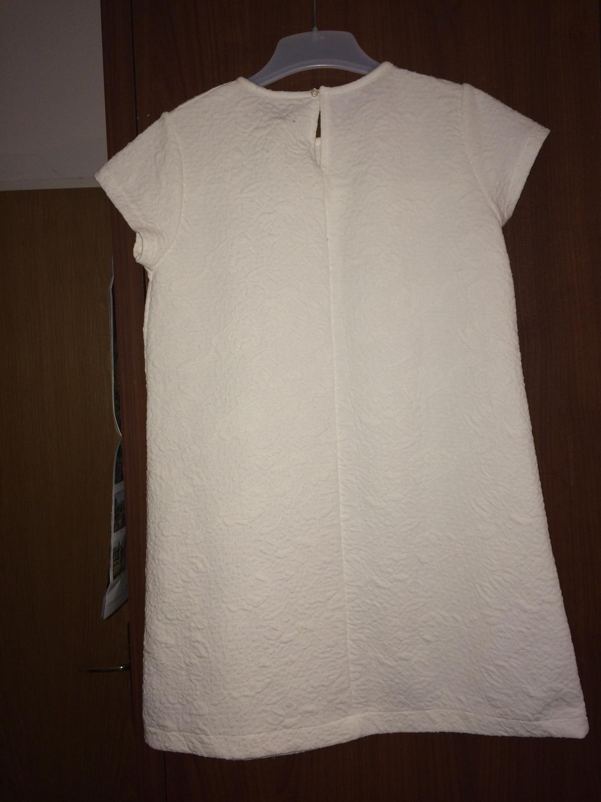 Bílé šaty. Značka Zara. - Obrázek č. 2