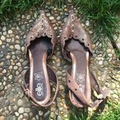 Hnědé boty značky Elite na podpatku, 38