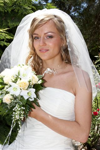 Hanka{{_AND_}}Jurko - moja krásna voňavá kytička z ruží, eucharisu a konvaliniek