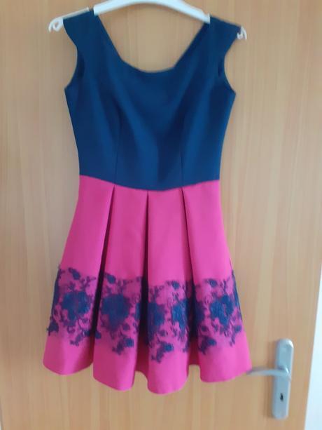 Dievčenské slávnostné šaty - Obrázok č. 1