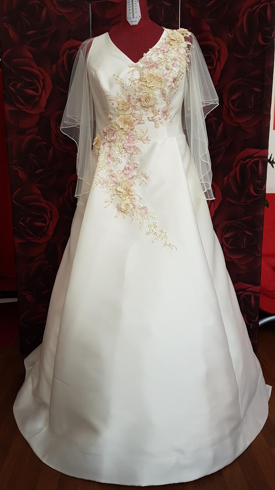 Šitie svadobných šiat na mieru,za ceny,ktoré potešia váš rozpočet. - Obrázok č. 5