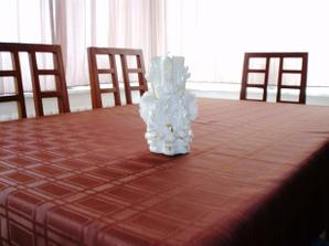 Svíčka na rautový stůl