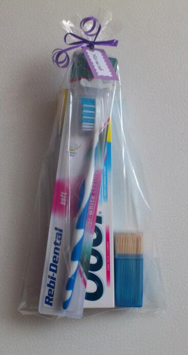 Svatební tombola - Něco na zub:-) - pasta, kartáček a párátka