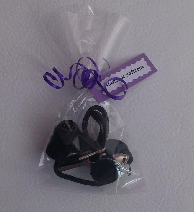 Svatební tombola - Alarmové zařízení:-) - píšťalka