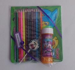Návrat do dětství:-) - omalovánky, pastelky, lízátko a bublifuk.