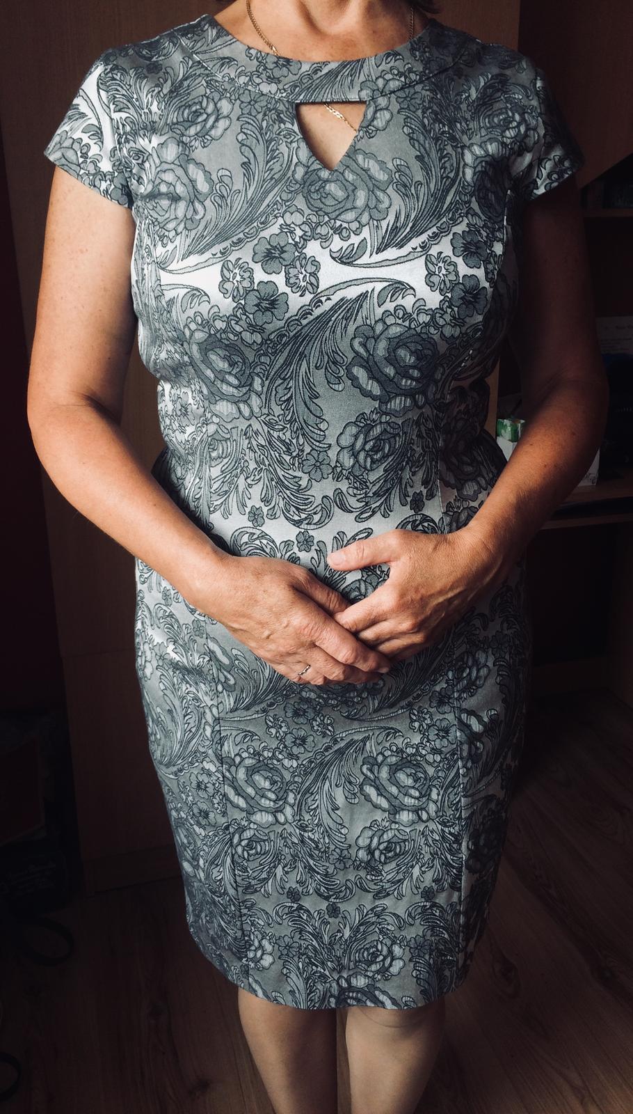 Sivé vzorované šaty - Obrázok č. 1