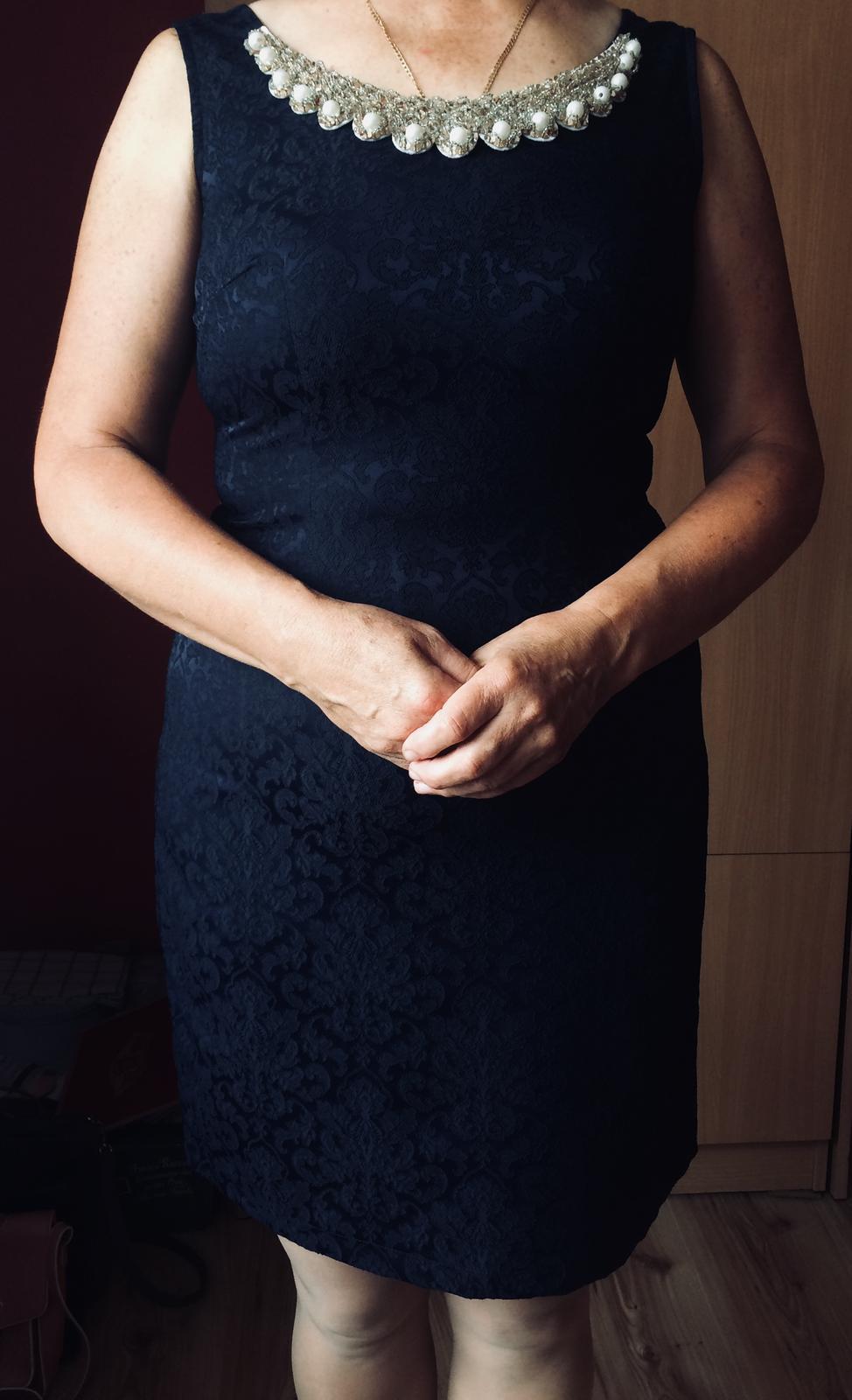 Kráľovsky modré šaty - Obrázok č. 1