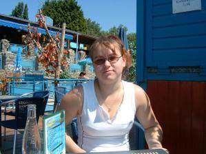 čekání na oběd v restauraci na lodi