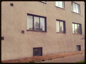 Okna před výměnou.....