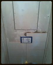 Dnes se konečně záchod obkládal....