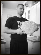 Manželův první domácí chlebík.