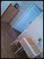Pohled z kuchyně na dětský pokoj....