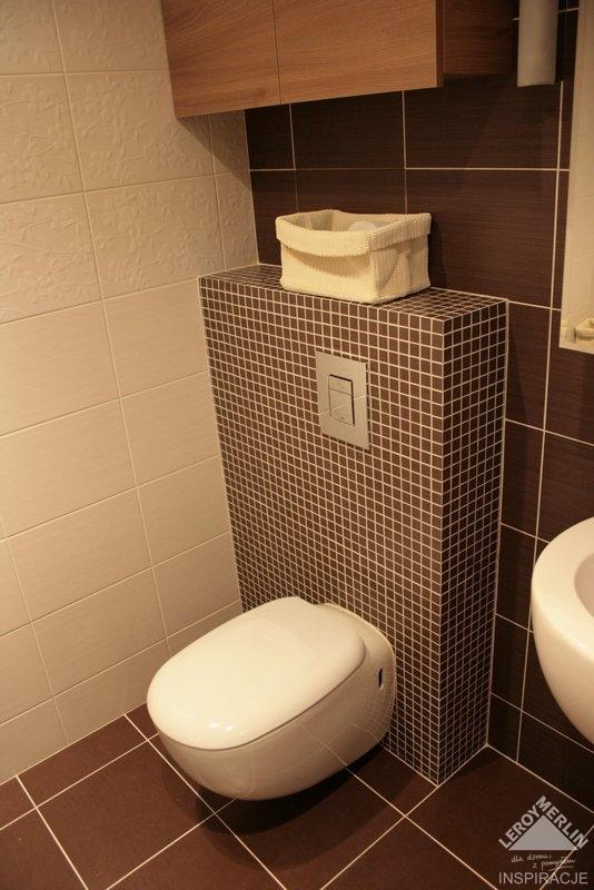 Prosim Vas aku mate hlbku tohoto vybežku u WC? budeme mat Geberit a vychadza nam to na 18,5 cm zda sa mi to nejake masivne...kolko cm mate u Vašeho WC tento murovany vybežok? - Obrázek č. 1