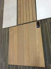 Dolny drevodekor - predvybrana podlaha do celeho domu - pači sa mi, že farebne sadla i s farbou paskoveho obkladu v kupelni.