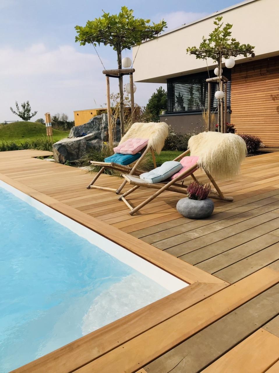 Naše L-ko - 2021 - stále dokončujeme - Pri bazéne