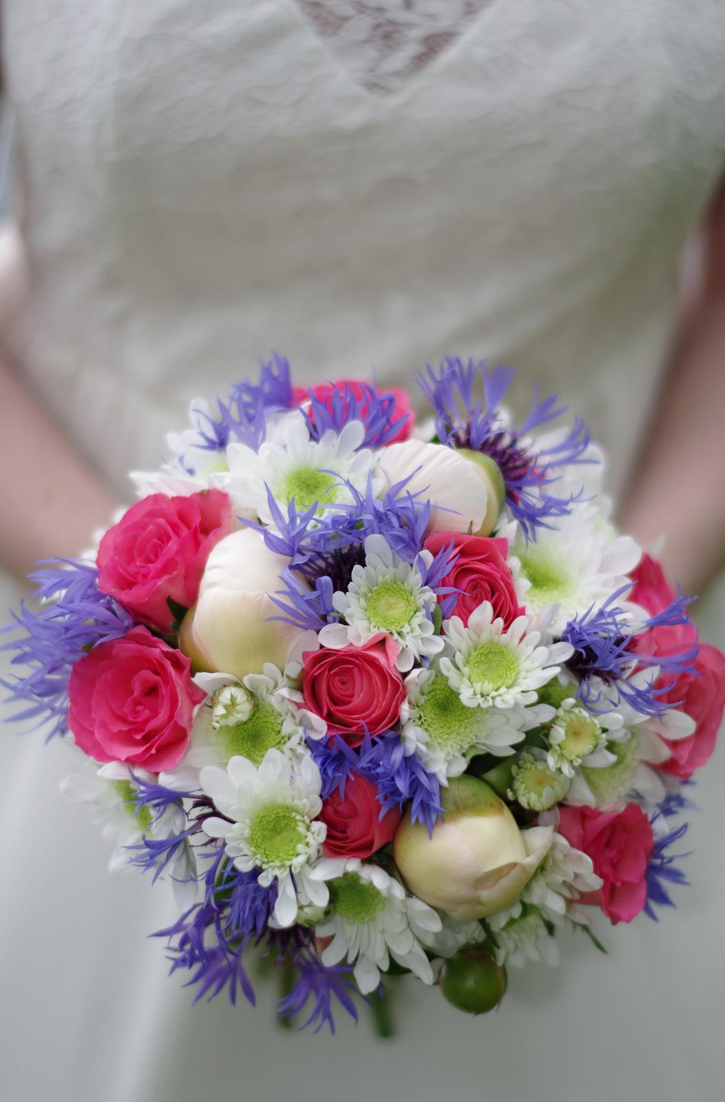 Kvetinové tvorenie - čo záhradka dala