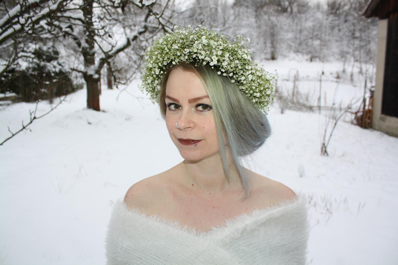 Kvetinové tvorenie - ešte nie nevesta, zatiaľ len snehová kráľovná
