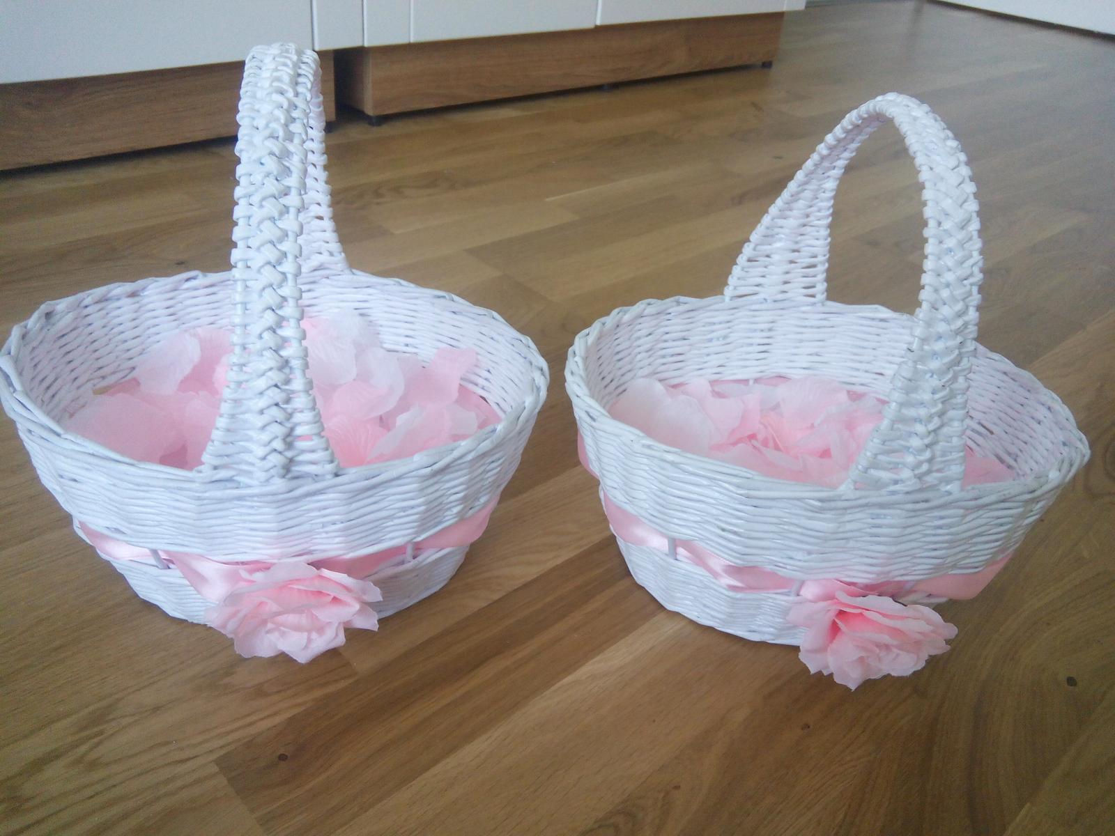 Košíček s ružovými a bielymi lupienkami - Obrázok č. 1