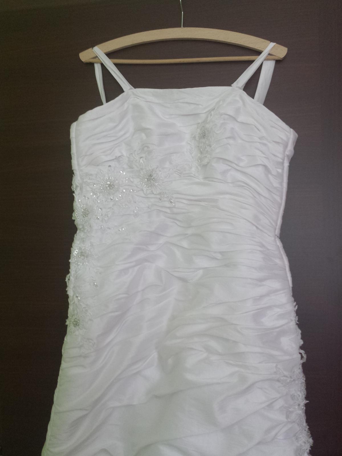 Svadobné biele šatky so šnurovačkou - Obrázok č. 4
