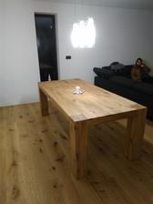 Náš nový dubovi stôl